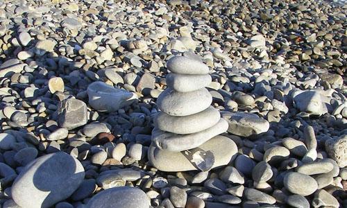 levensinspiratie-gestapelde-stenen-liefde-hart-kleur